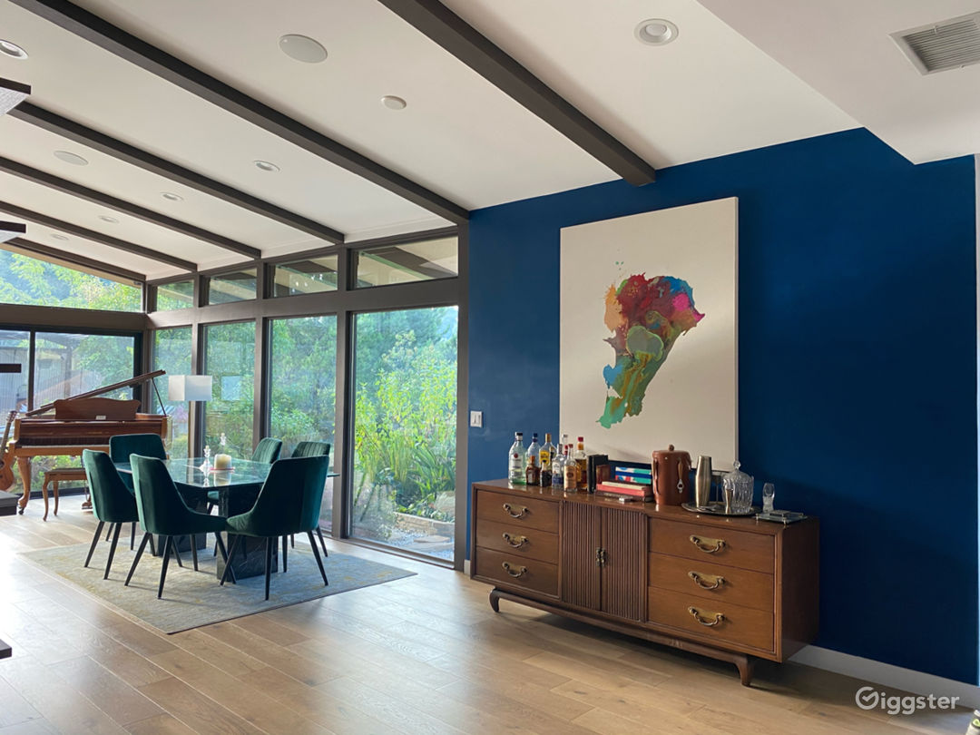 Mid-Century Modern Home in Laurel Canyon  Photo 3