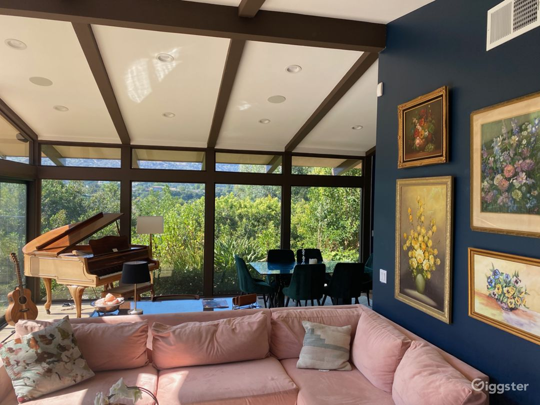 Mid-Century Modern Home in Laurel Canyon  Photo 4