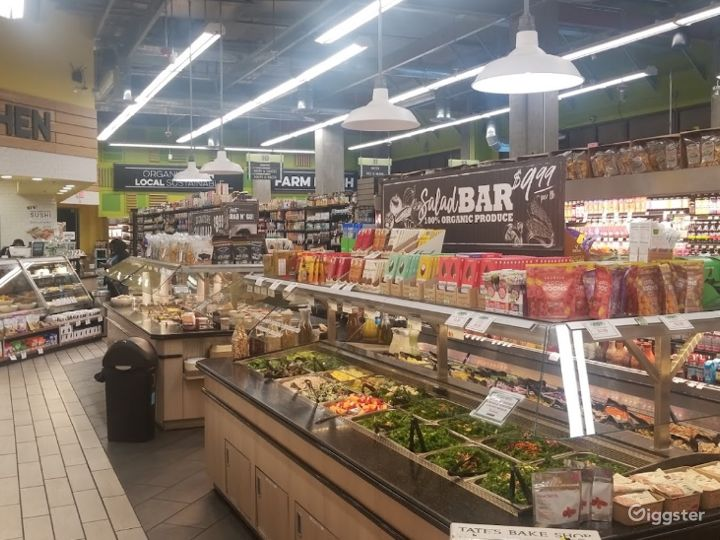 Spacious Health Food Store Perfect for Photoshoots and Productions in La Brea – Los Angeles Photo 5