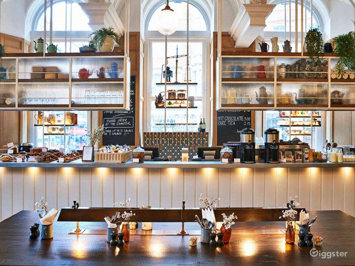 Victorian Coffeehouse in Bloomsbury, London Photo 2
