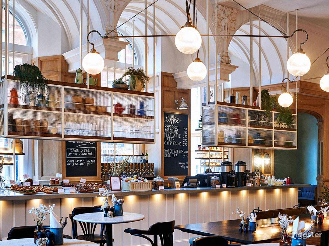 Victorian Coffeehouse in Bloomsbury, London Photo 1