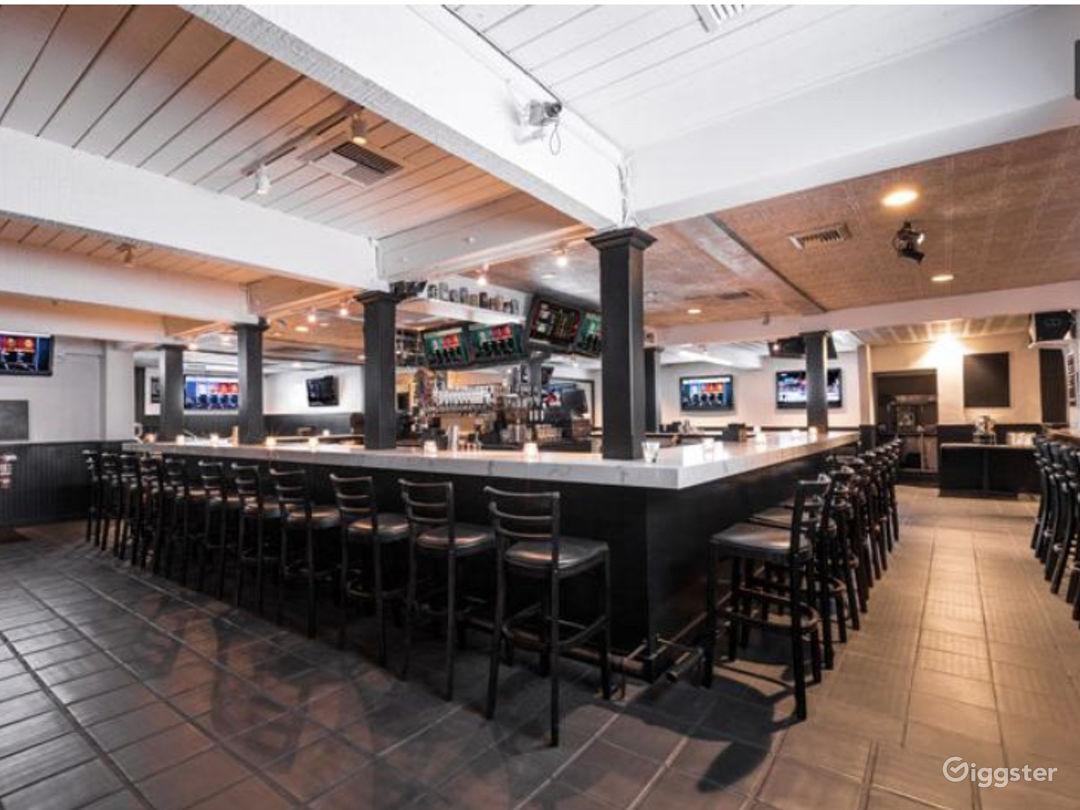 200 seater Modern Bar Restaurant / West Hollywood  Photo 1