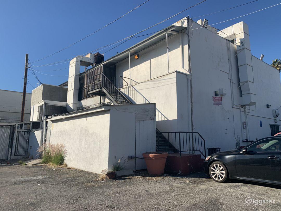 200 seater Modern Bar Restaurant / West Hollywood  Photo 3