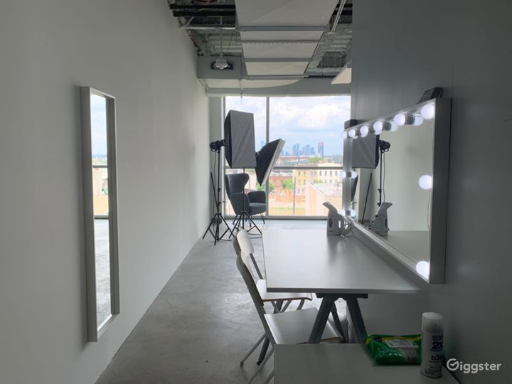 All Included Studio With Floor To Ceiling Window  Photo 5
