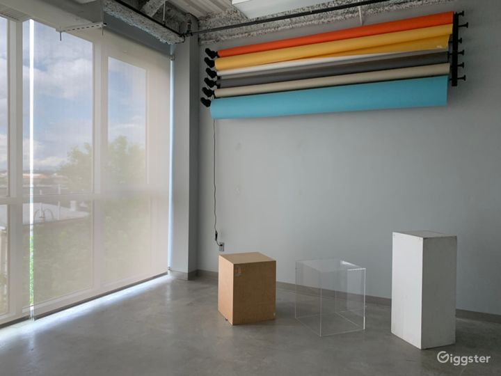 All Included Studio With Floor To Ceiling Window  Photo 3
