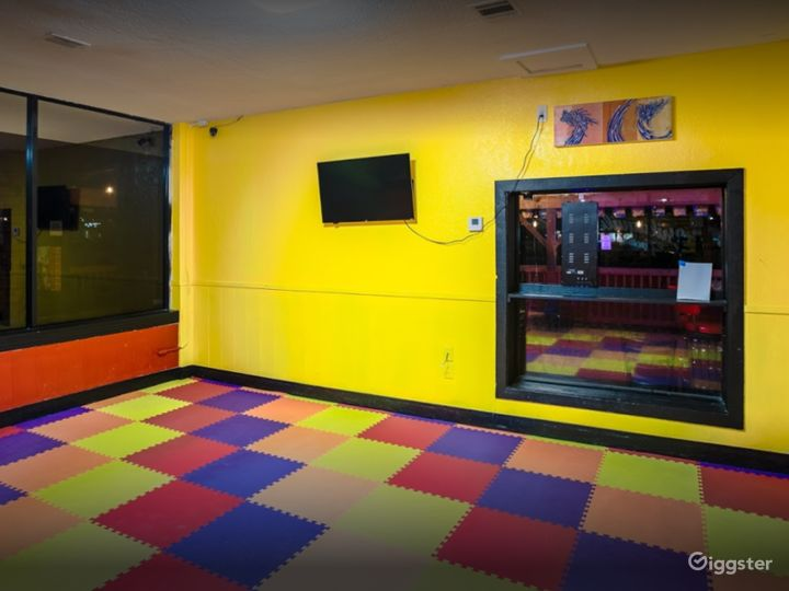 Warm and Cozy Play Area for Children's Parties Photo 4