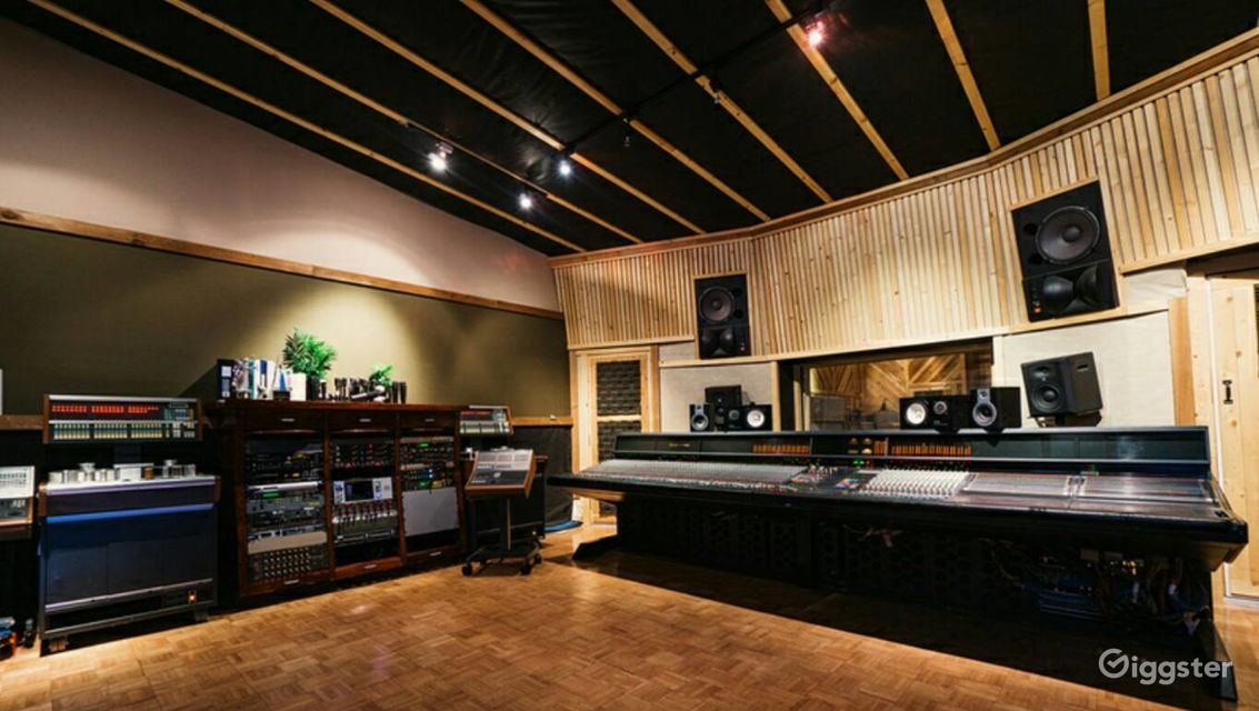 Rent Recording Studio In Tustin Film Studio Photography Studio