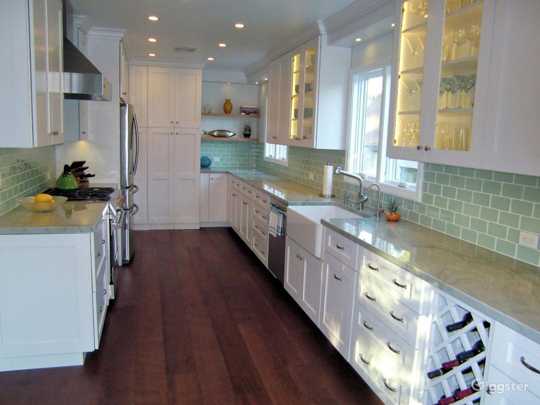 Hollywood bungalow, new kitchen, large courtyard Photo 5