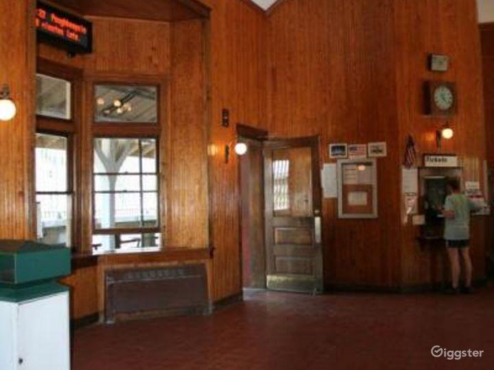 Train station: Location 4251 Photo 3