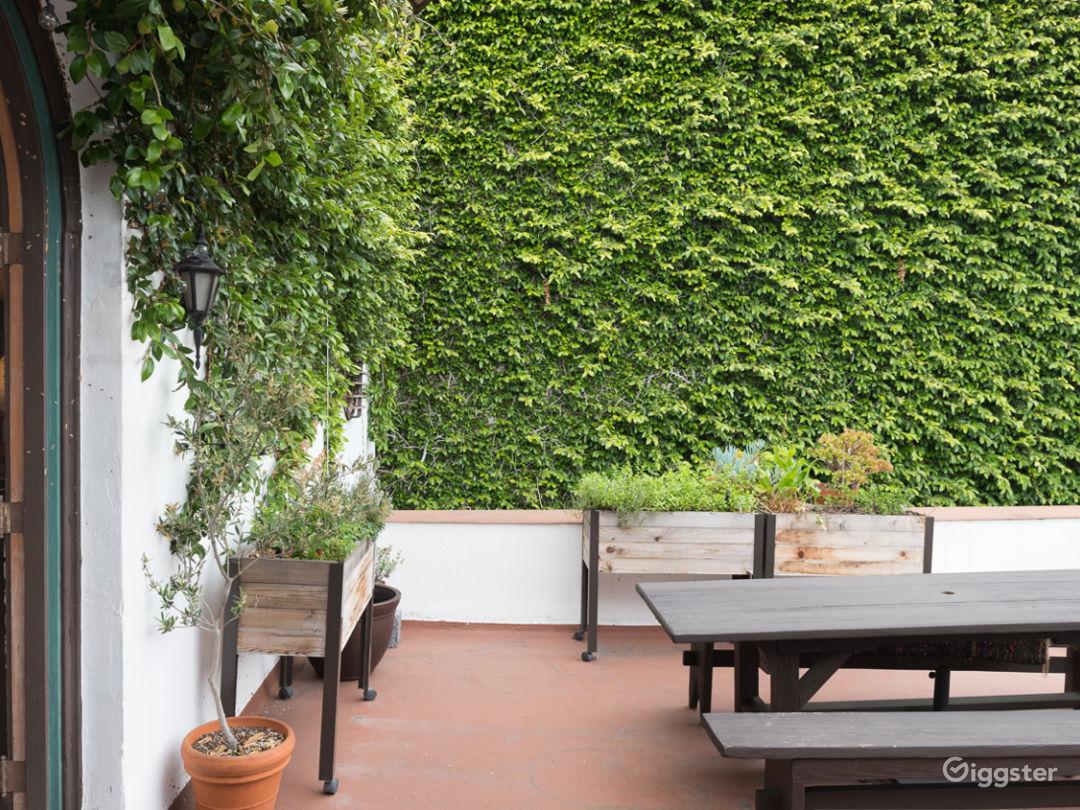 Spacious Hollywood Spanish Loft Studio w/ Charm Photo 4