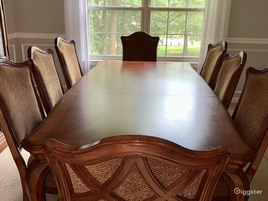12 Room Colonial in DMV - Perfect Background  Photo 5