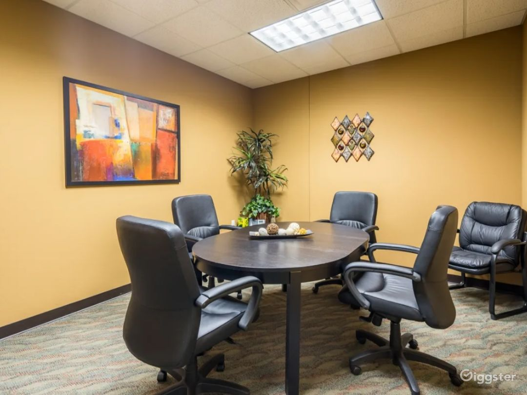 Cozy 4-6 Person Conference Room In The Heart of Chandler Photo 1