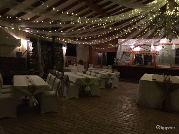 Indoor Large Function Room for Events Photo 5