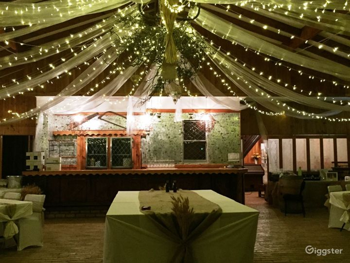 Indoor Large Function Room for Events Photo 2