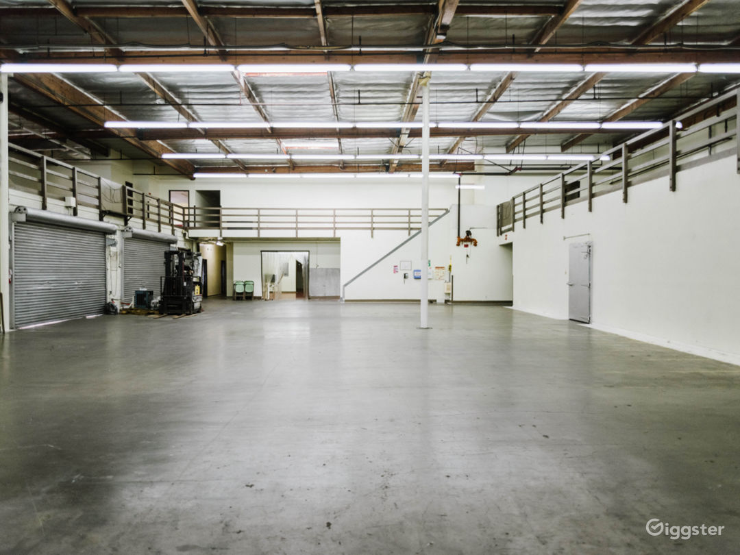 MASSIVE RAW INDUSTRIAL WAREHOUSE DTLA Photo 5
