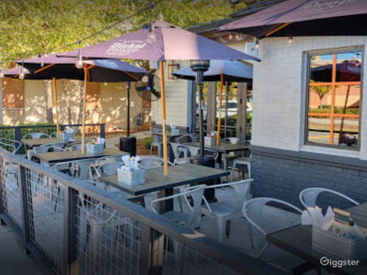 Beautiful Outdoor Dining Space in Atlanta Photo 5