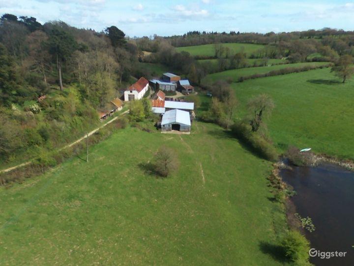 Beautiful Rustic Barn Wedding Venue in North Tawton Photo 3