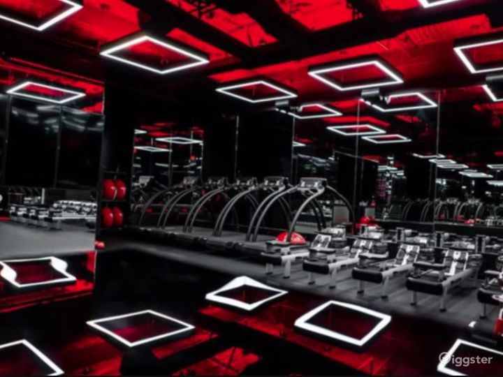 Luxurious boutique fitness studio in Beverly Hills Photo 2