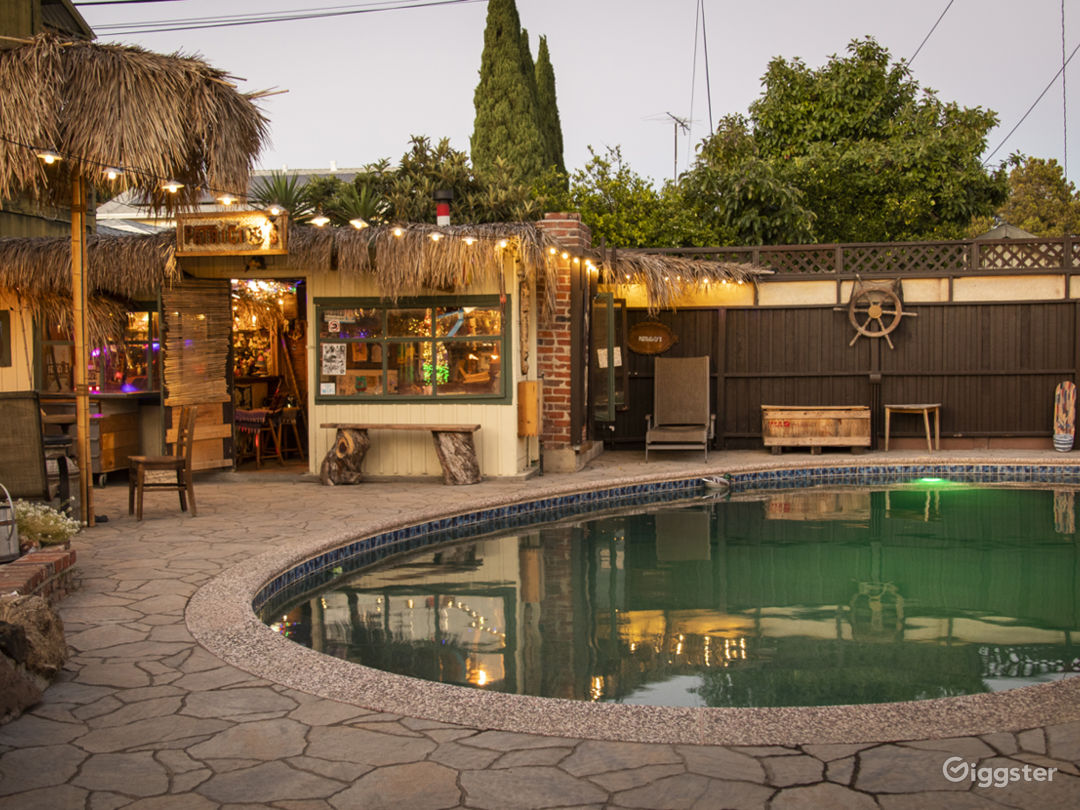 Tiki bar. From 1960s. 150 sq ft