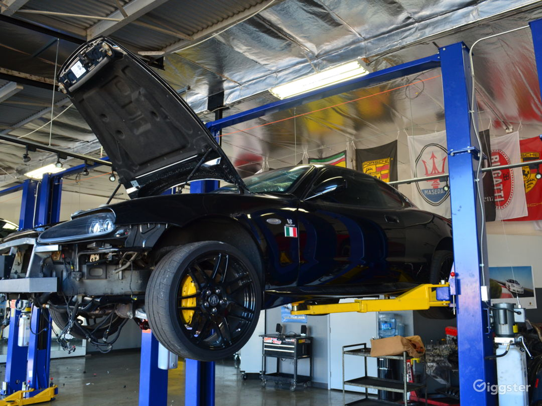 Exotic car repair shop, Ferrari, Porsche, and more Photo 5