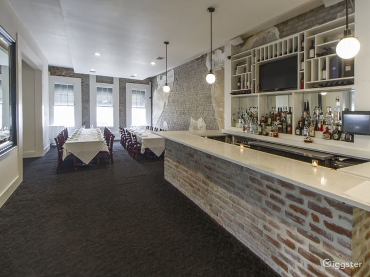 Peaceful Second Floor Restaurant with bar in Louisiana Photo 3