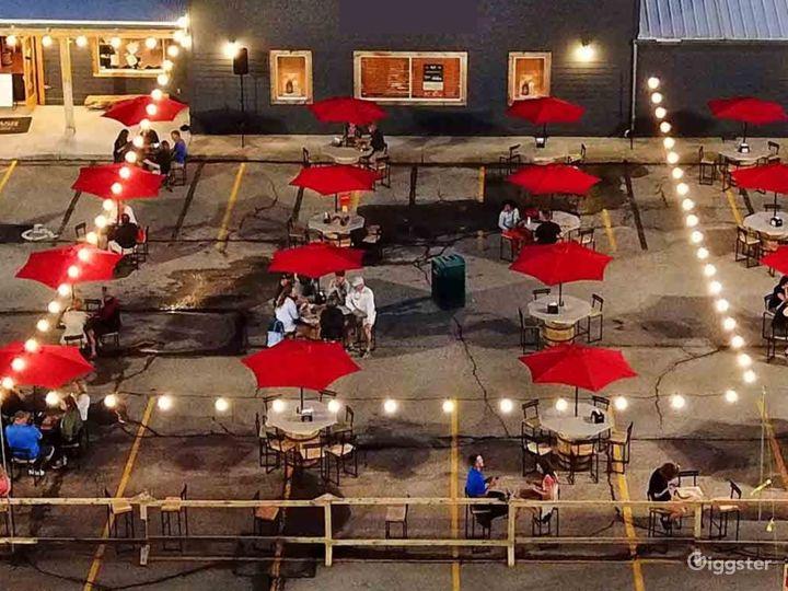Wonderful Covered Outdoor Patio in Cincinnati Photo 2