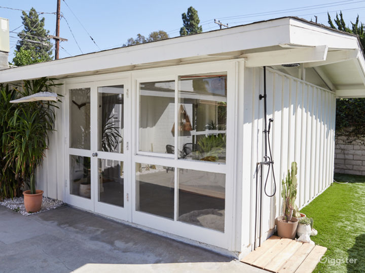 Bright Midcentury Modern Cliff May Home Photo 5