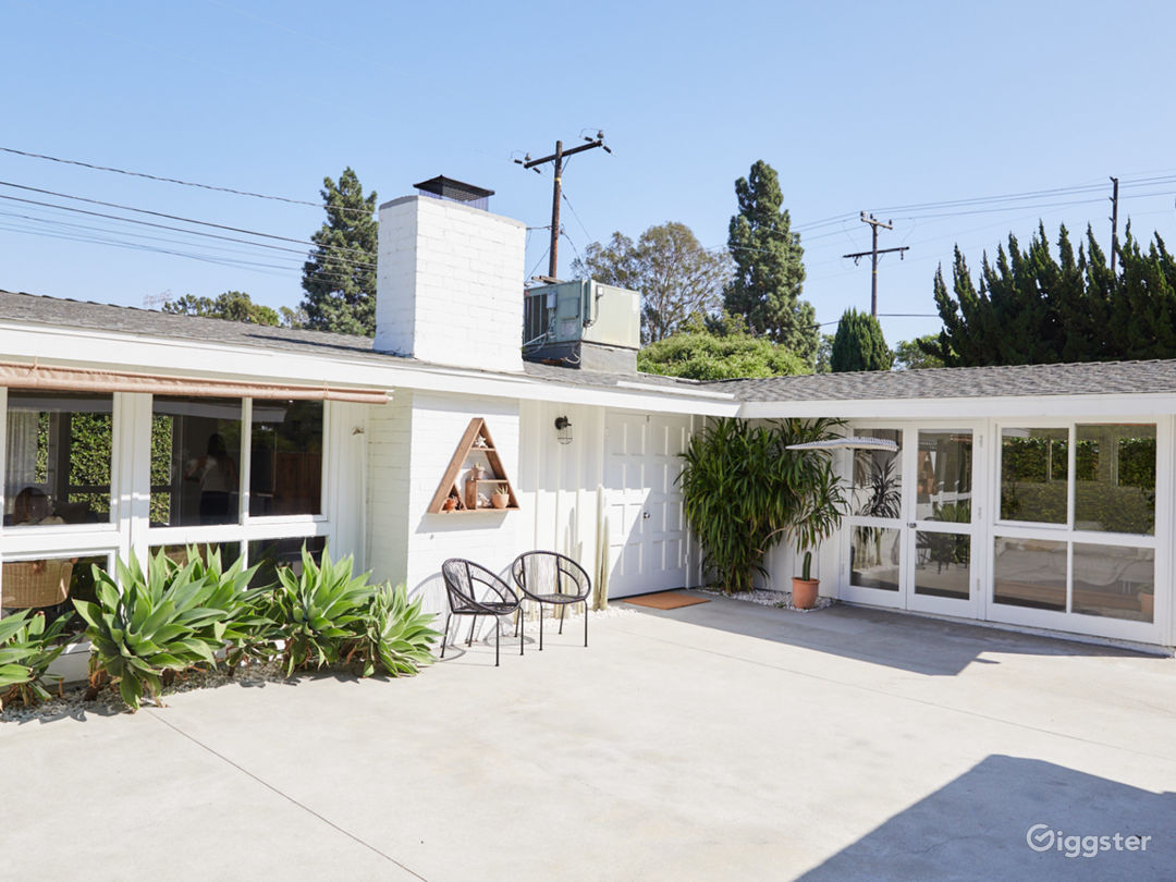 Bright Midcentury Modern Cliff May Home Photo 1