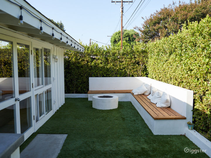 Bright Midcentury Modern Cliff May Home Photo 2