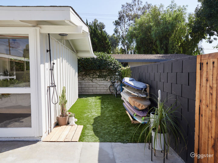 Bright Midcentury Modern Cliff May Home Photo 4