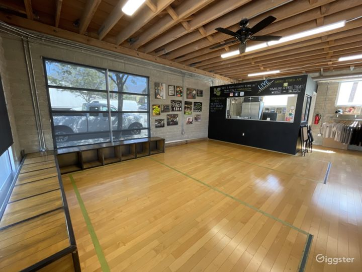 Large Fitness Studio Space with Private Parking  Photo 4