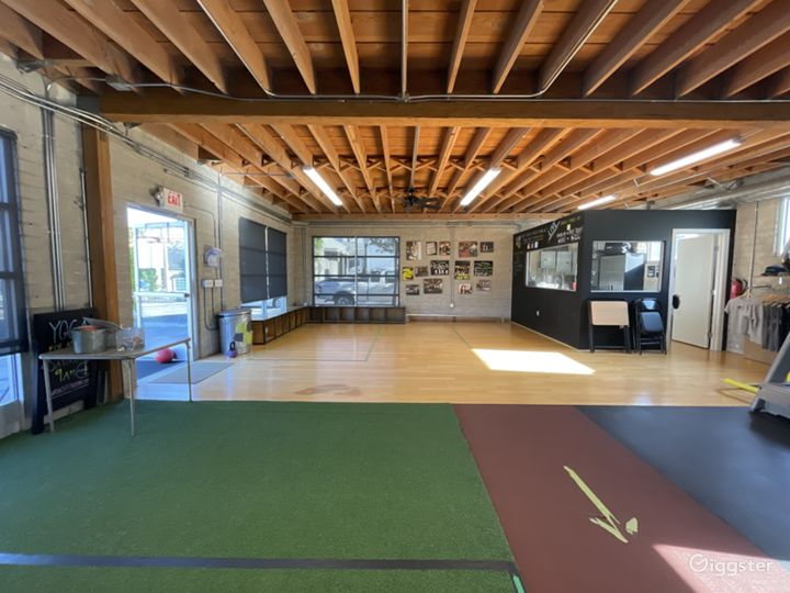 Large Fitness Studio Space with Private Parking  Photo 3