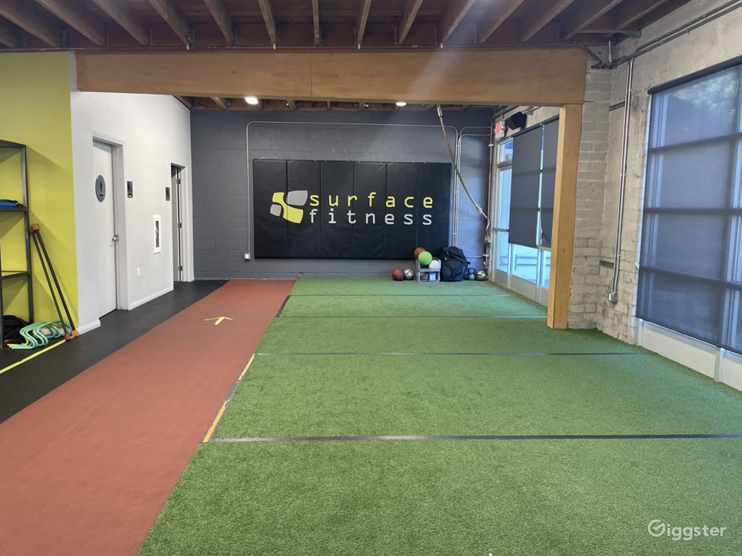 Large Fitness Studio Space with Private Parking  Photo 1