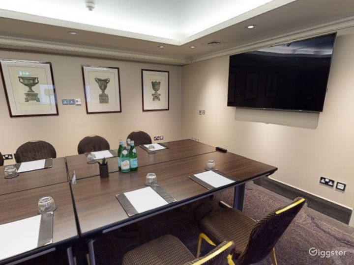 Private Room 5 for up to 30 guests in Cromwell Road, London Photo 4
