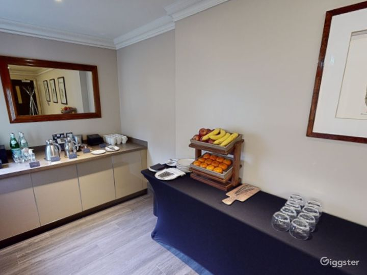 Private Room 5 for up to 30 guests in Cromwell Road, London Photo 3