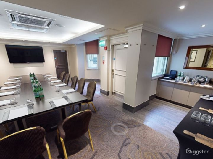Private Room 5 for up to 30 guests in Cromwell Road, London Photo 2
