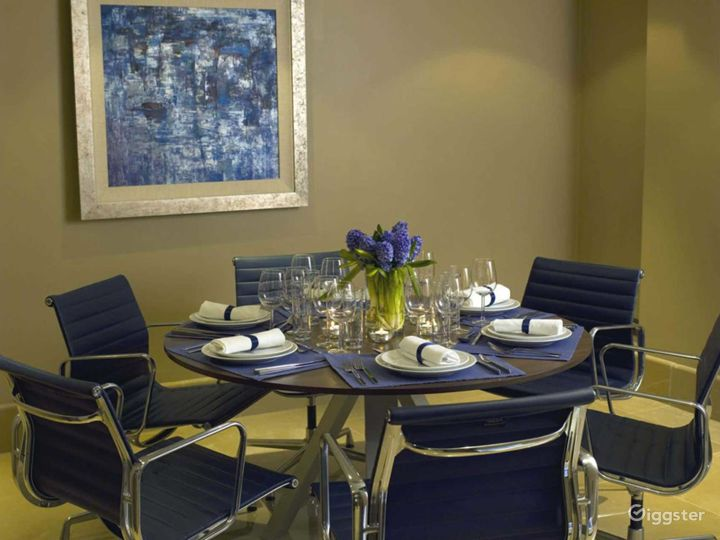 Snappy Private Suite 10  in Mayfair, London Photo 2