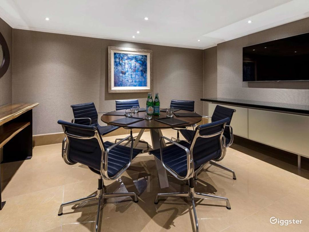 Snappy Private Suite 10  in Mayfair, London Photo 1