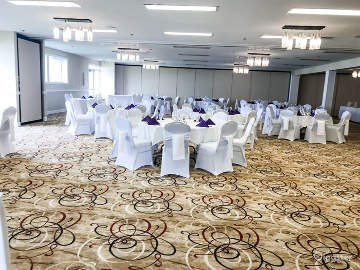 Airy Hotel Ballroom in Lincoln Photo 4