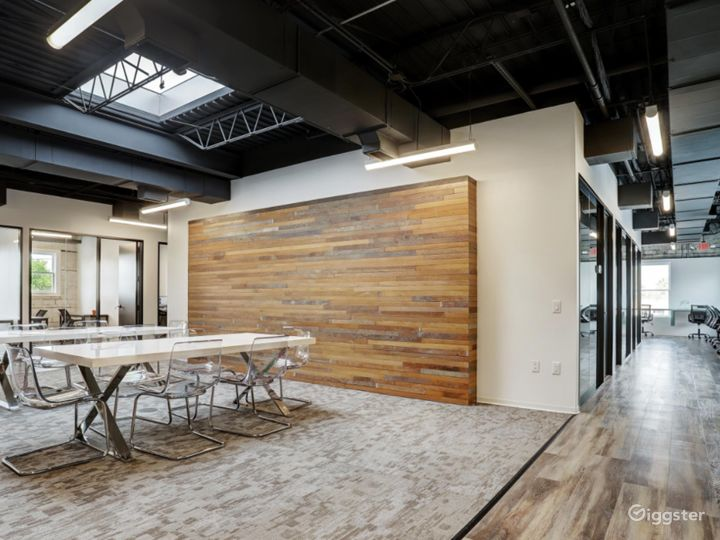 Semi-private Modern Space for Meetings in Houston