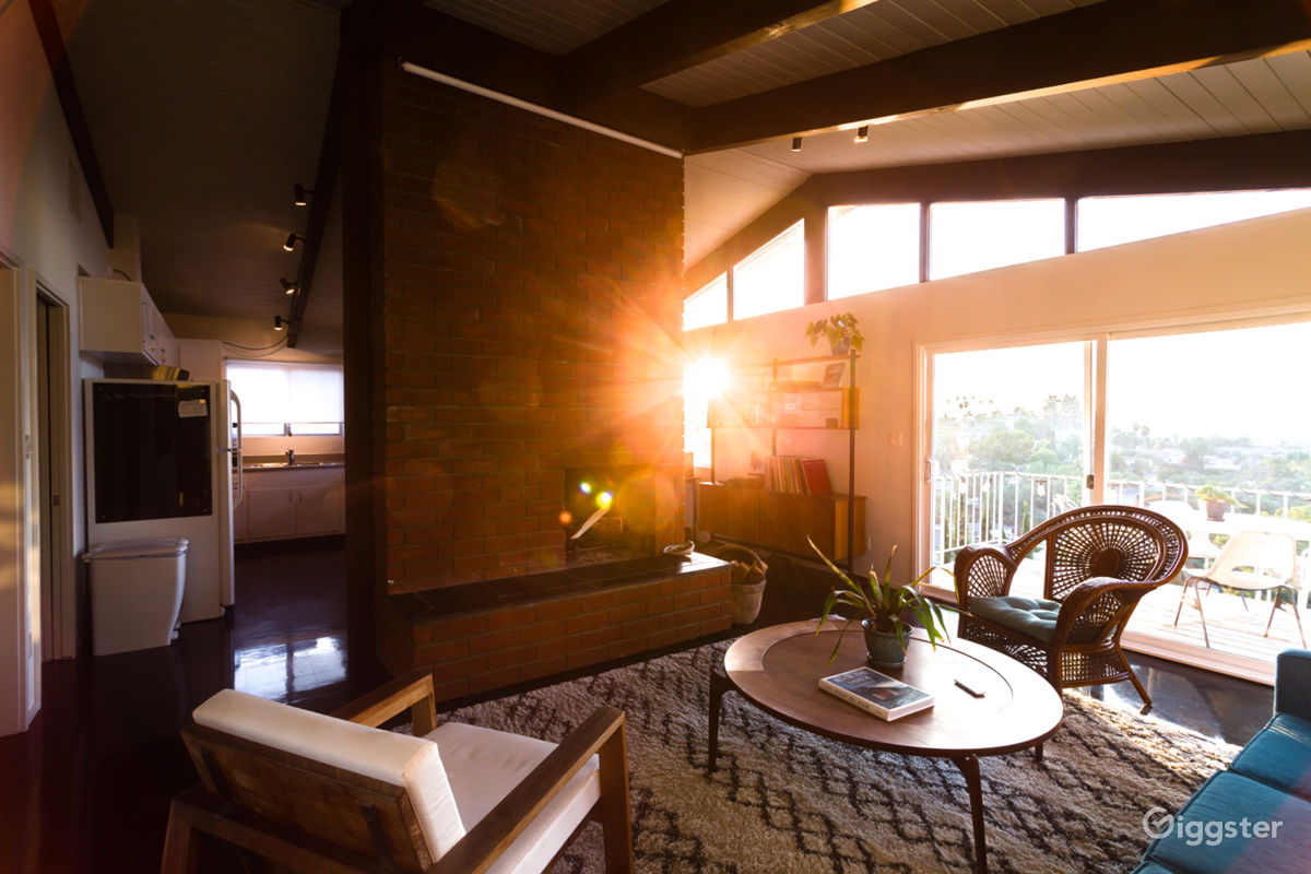 Rent The Apartment, Loft Or Penthouse(residential) Mid Century Modern Gem  With