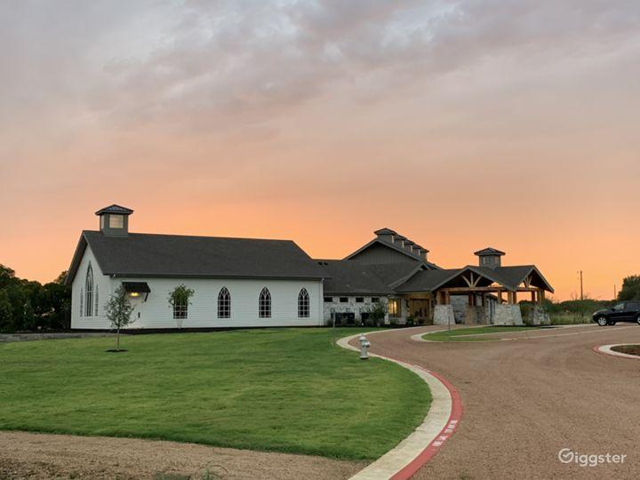 Modern Farmhouse - Casual Elegance Photo 2