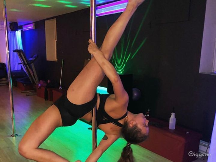 Pole and Fitness Studio  in Union City Photo 4