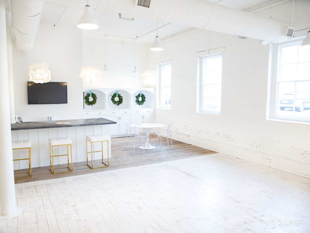 Natural Light Studio in the Heart of Annapolis Photo 1