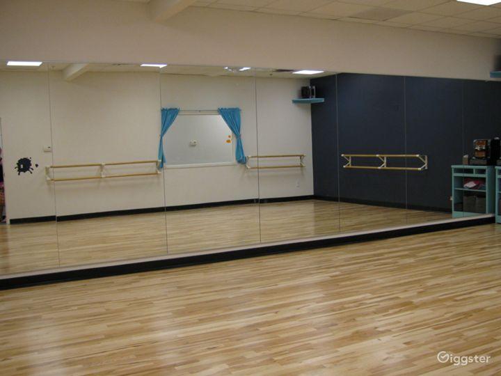 Gorgeous Newly Remodeled Dance Studio Photo 2