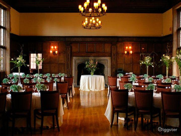 Delightful Dining Lounge