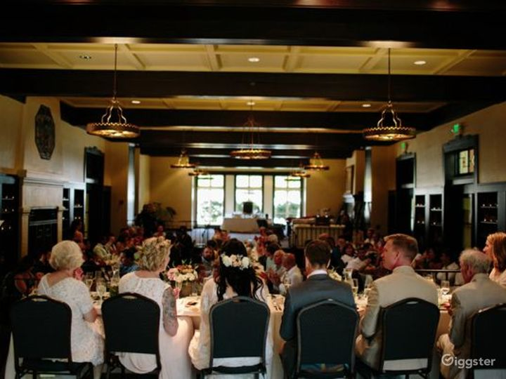 Delightful Dining Lounge Photo 2