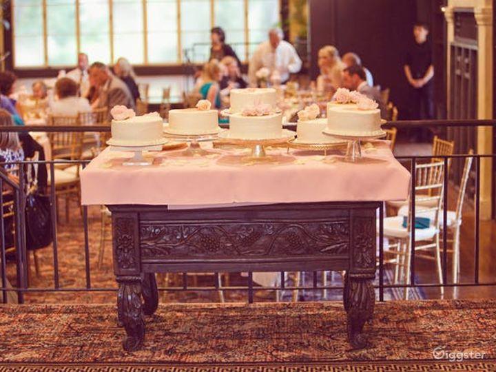 Delightful Dining Lounge Photo 3