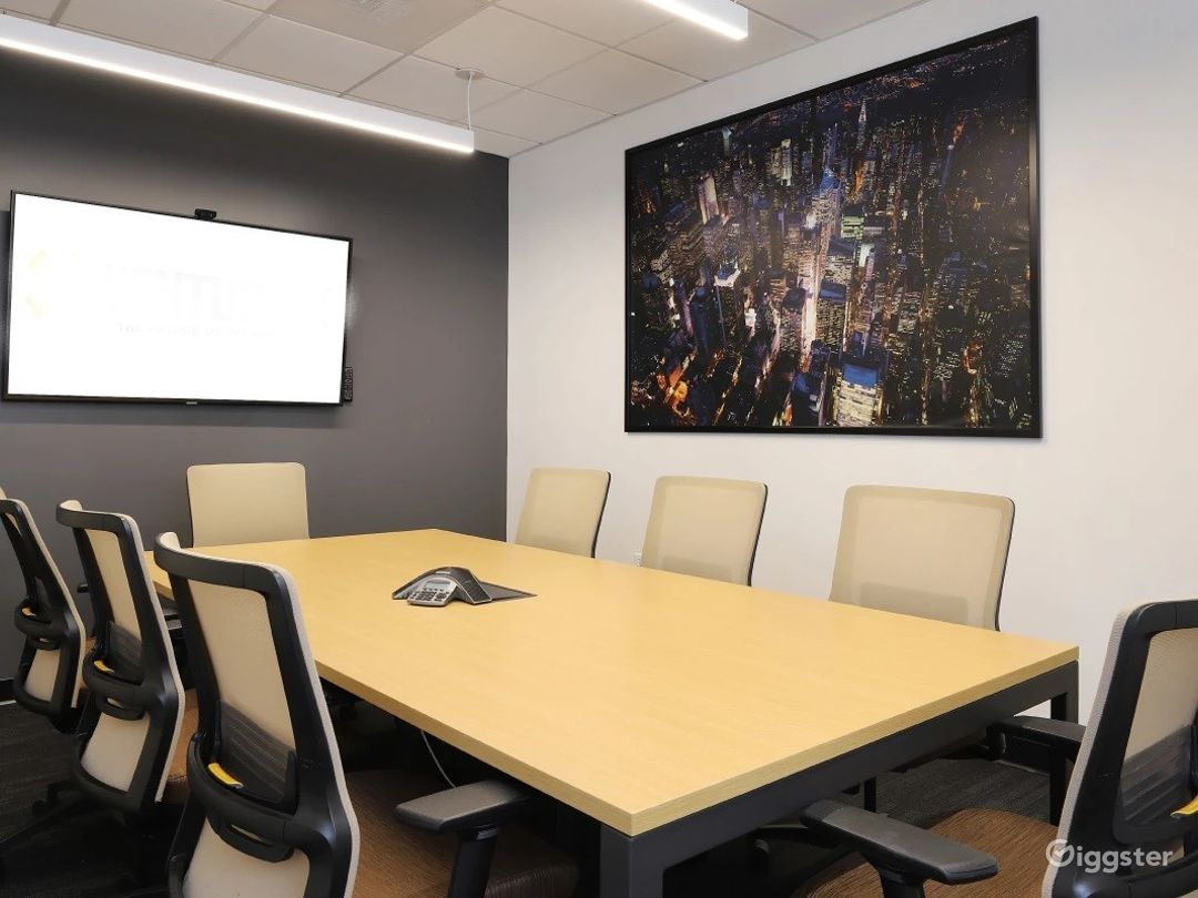 Modern Meeting Room in the Center of Colorado Photo 1