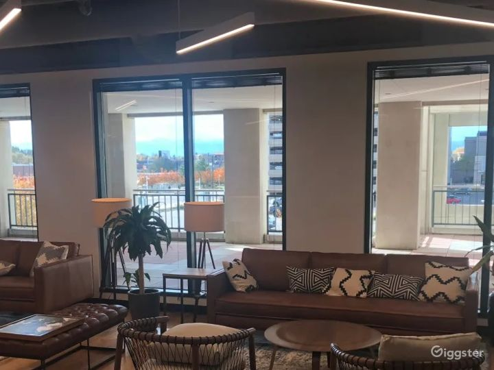 Modern Meeting Room in the Center of Colorado Photo 5